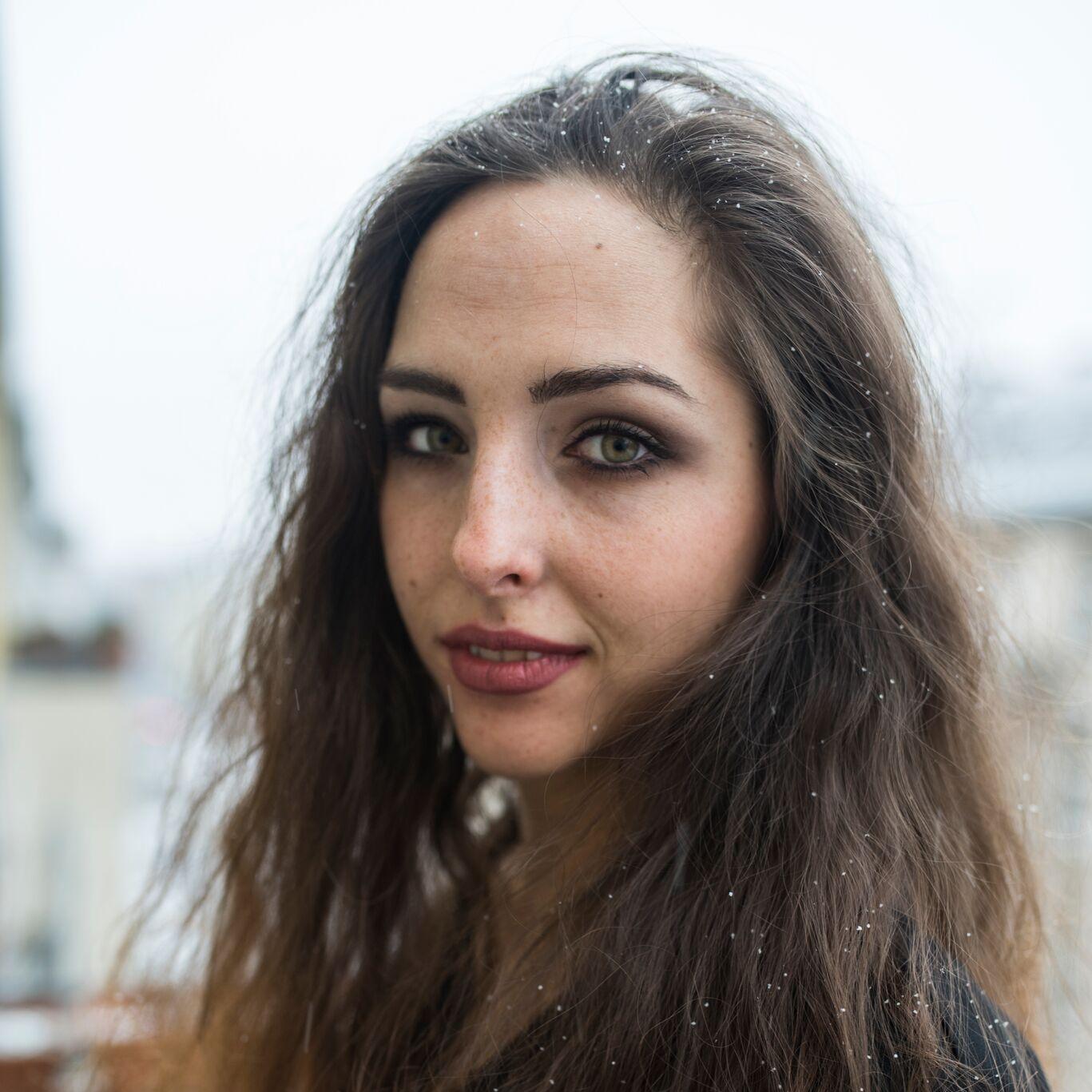 Nadja Hawranek, Vertical Dance, Artistik/Akrobatik, Performerin